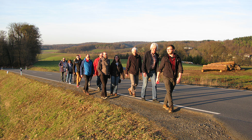 Brensbacher SPD informiert sich bei einer Wanderung über Vorhaben in Ortsteilen